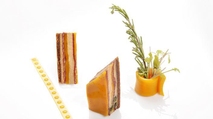 Entremets foie gras, mango-sauce und bresaola