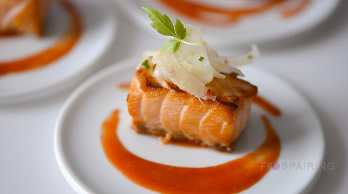 Fillet of salmon with bergamot and chopped shellfish