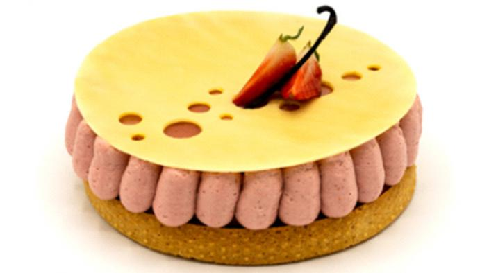 Strawberry tart with vanilla rice pudding reinterpreted