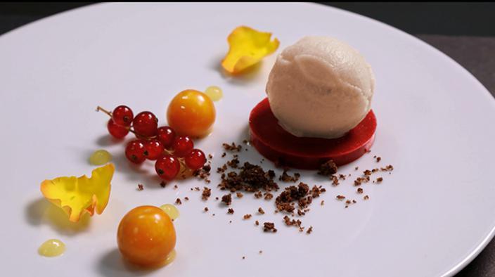 Crème glacée argousier, mandarine et chocolat au lait