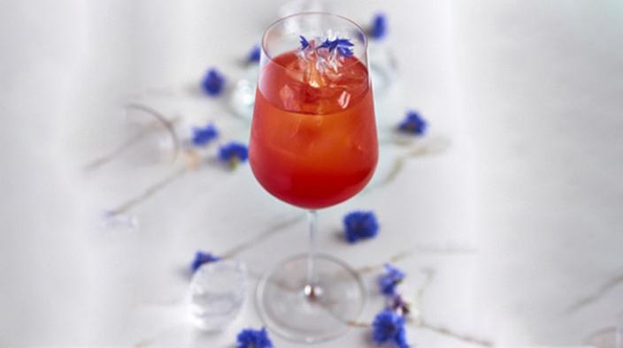 Erdbeere & Holunderblüte Aperol Spritz