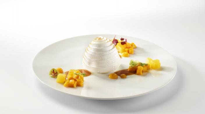 Ananas-Sorbet - Gröstetes Baiser und tropisches Karamell