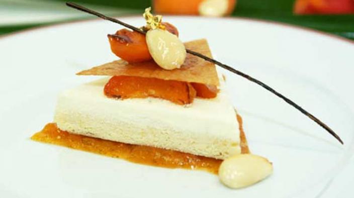 Soft souvenir, almond and apricot