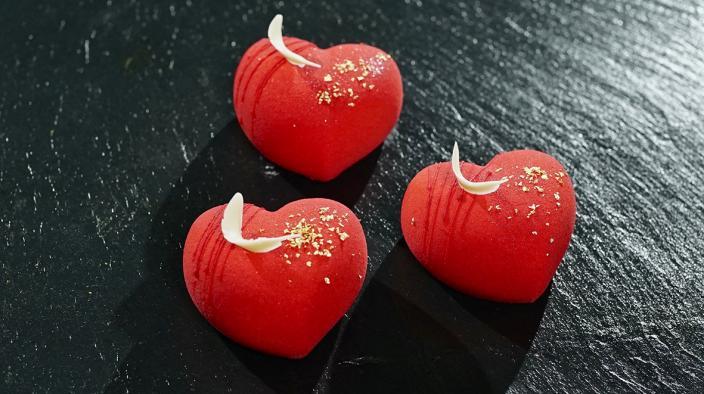 THE HEART PETIT GÂTEAU
