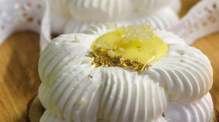 Syracuse Lemon Pavlova
