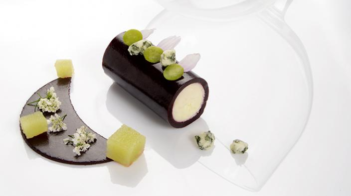 Roquefort, green apple and black cherry tube